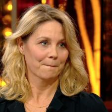 Billede af skuespiller Anne Louise Hassing fra TV2's Badehotellet